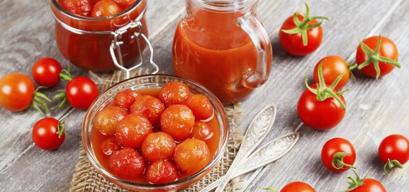 Rajčata nakládaná ve vlastní šťávě: Na tento časově nenáročný recept potřebujete pouze jednu ingredienci