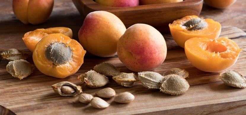 Jíte sušená či čerstvá jádra z meruněk? Riskujete tím otravu kyanovodíkem