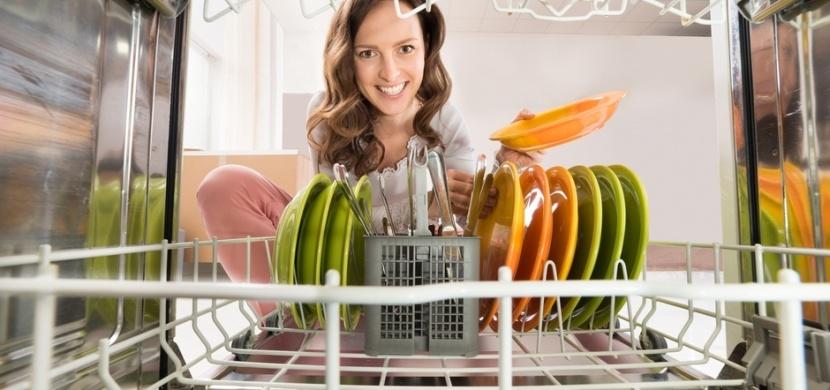 Vyrobte si levně domácí tablety do myčky: Mytí nádobí vás nemusí stát majlant