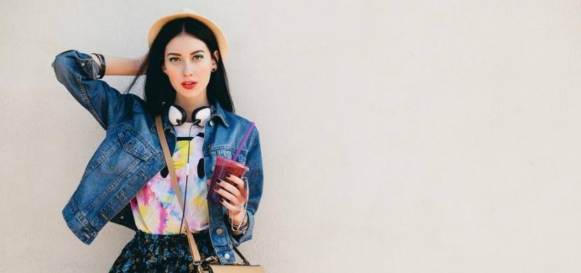 Džínová bunda je základem dámského podzimního šatníku: Víte, jak ji nosit?
