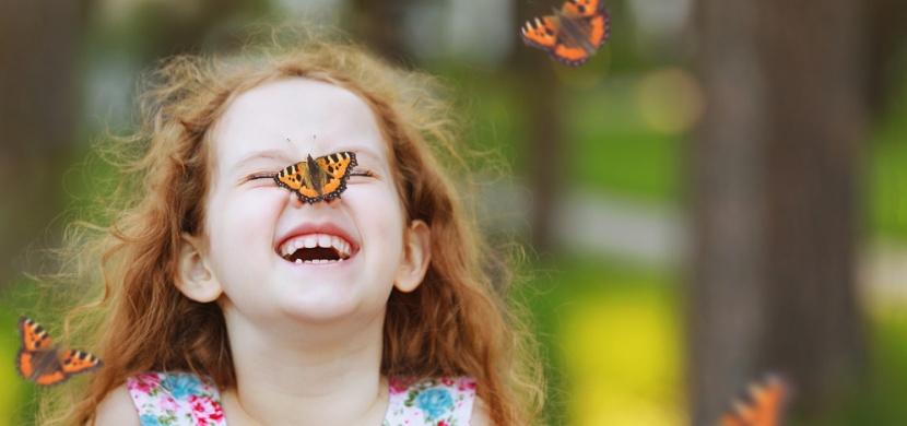 Příběh 5leté Verunky s nemocí motýlích křídel: Každý den prožívá mnoho bolesti, přesto je statečná a usměvavá holčička
