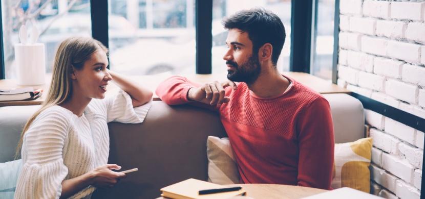 Kdo by měl platit na prvním rande: Dilema, které řeší každý