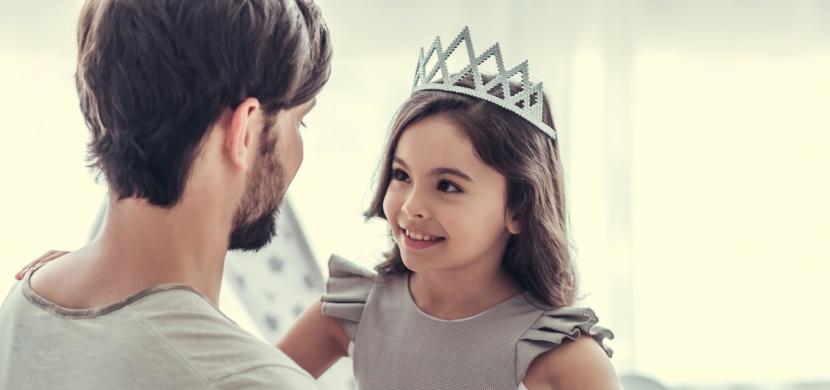 Dcery dostanou do vínku krásu, synové potíže se srdcem. Pět znaků, které dědíme po tatínkovi