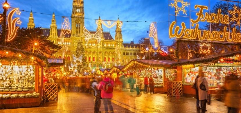 Kam v Evropě na nejkrásnější vánoční trhy? V roce 2019 se vydejte do Tallinnu, Budapešti a Štrasburku