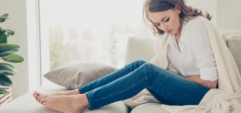 Jídelníček během menstruace: Která jídla zhoršují menstruační bolest, a která vám naopak uleví