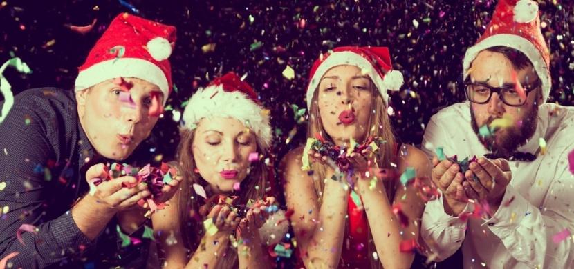 Jak se obléct na vánoční večírek: Vsaďte na eleganci a nesnažte se být příliš sexy