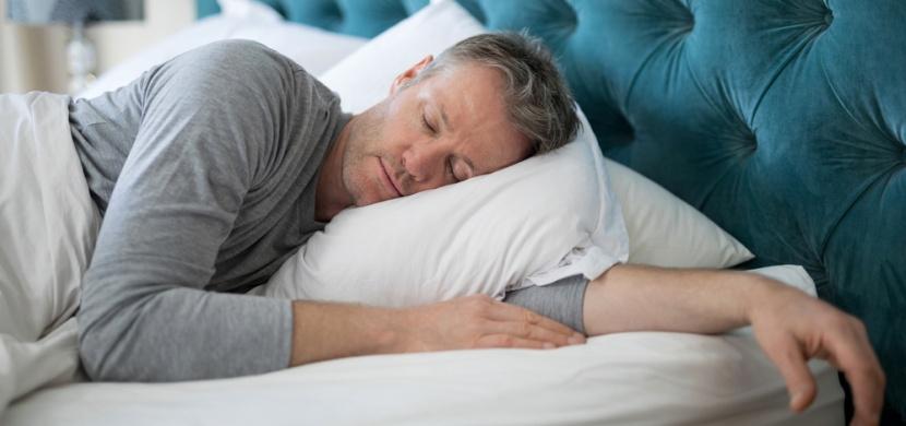 Mluvení ze spaní: Nejčastěji na někoho voláme nebo něco někomu vysvětlujeme