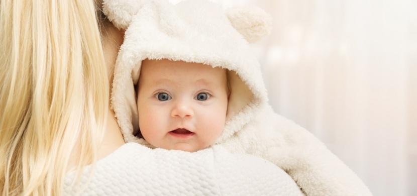 Zimní děti jsou klidnější a vyrovnanější. Častěji ale trpí alergiemi a astmatem
