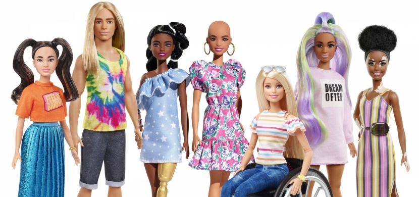 Barbie bez vlasů, s protézou i vitiligem: Nová kolekce Mattel ukazuje, že v nedokonalosti je krása