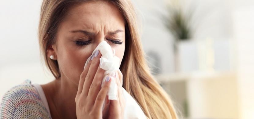 Jak na ucpaný nos bez kapek: Pomůže zvlhčovač vzduchu i masáž obličeje