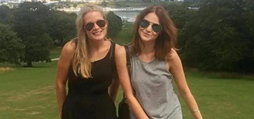 Poznáte, proč fotka dvou kamarádek pobavila tisíce fanoušků na Facebooku?
