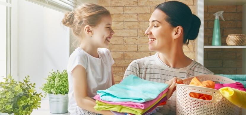 Úklid domácnosti během pandemie koronaviru: Pravidelně dezinfikujte věci a povrchy a průběžně větrejte