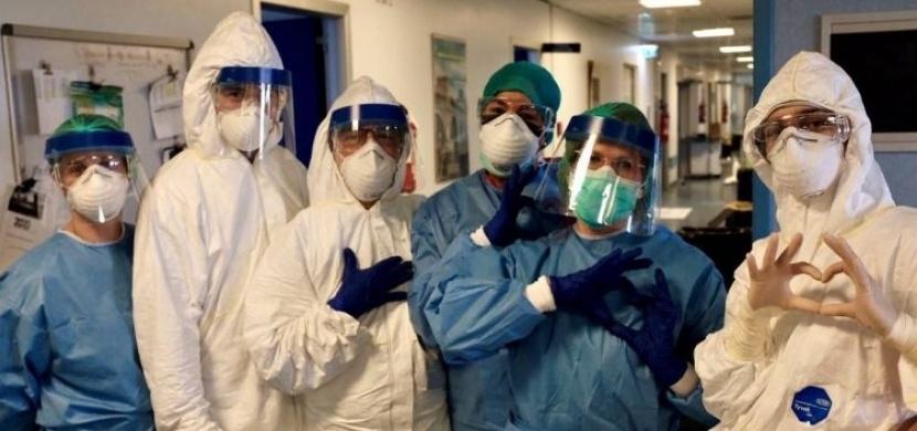 Italští lékaři patří k opravdovým hrdinům. K 26. březnu jich na koronavirus zemřelo už 37