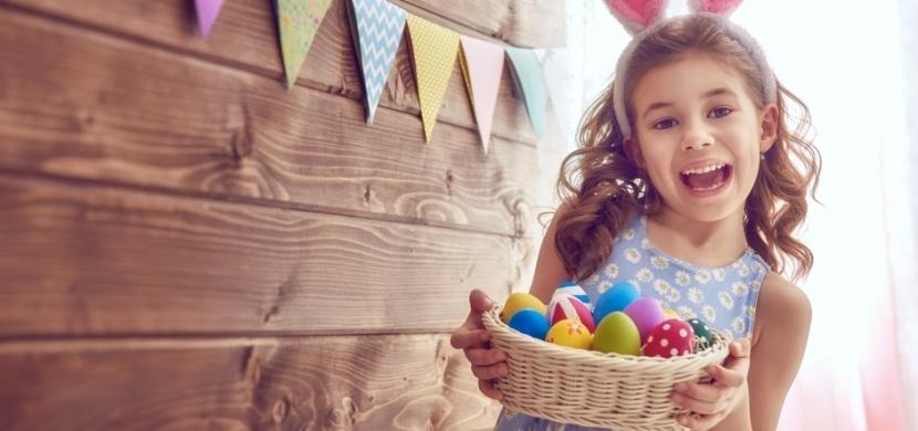 Zdobení velikonočních vajíček na Bílou sobotu: Vyzkoušejte ubrouskovou techniku, washi pásky nebo drátkování