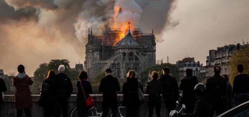 Před rokem vyhořela katedrála Notre Dame: Její rekonstrukci nyní brzdí koronavirus