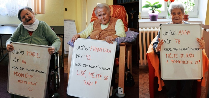 Mějte se rádi a snažte se chápat druhé, vzkazují mladé generaci čeští senioři
