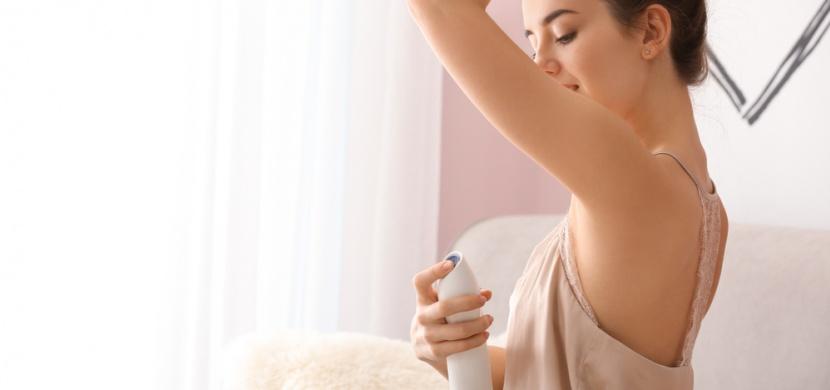 Přírodní deodoranty chrání před nadměrným pocením i zápachem. Zkuste šalvěj, jablečný ocet či kokosový olej