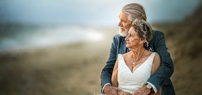 Takto vypadá skutečná láska: Australští manželé jsou spolu 55 let a stále se milují