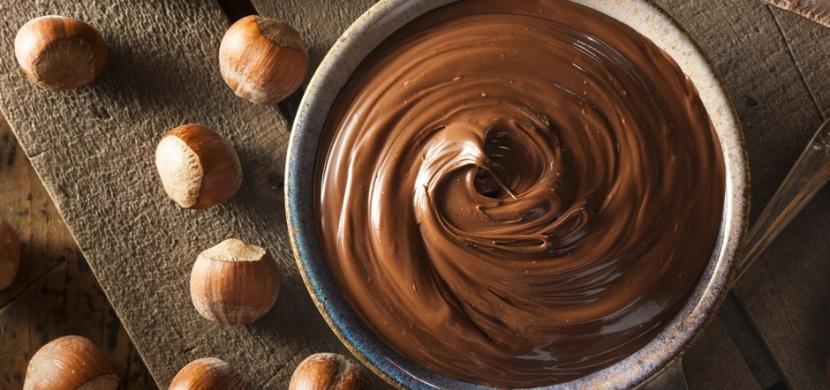 Domácí nutella se vám rozplyne na jazyku. Vyzkoušejte recept s lískovými oříšky i veganskou verzi bez ořechů