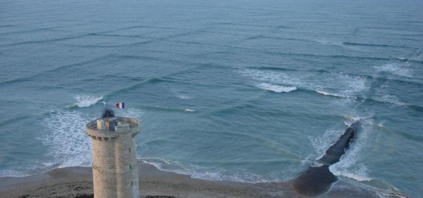 Varování před nebezpečným typem vln: Pokud vypadají takhle, nikdy do moře nechoďte