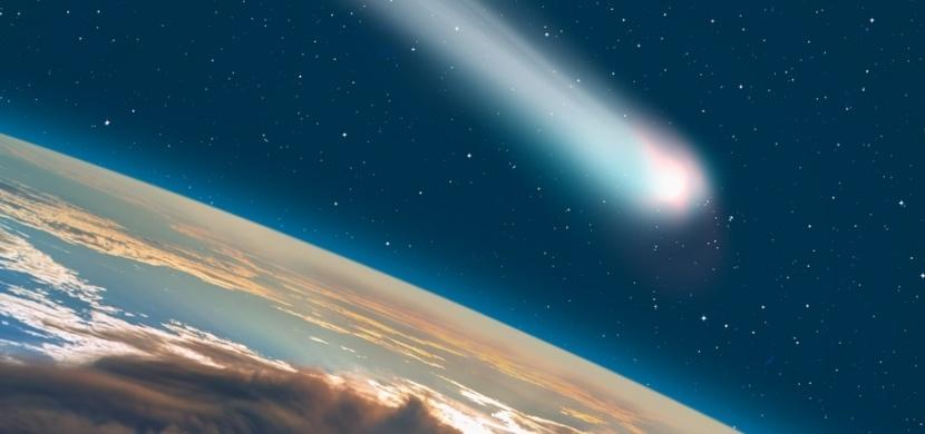 Na noční obloze září jedna z nejjasnějších komet za posledních 13 let. Pozorování komety Neowise je velký zážitek