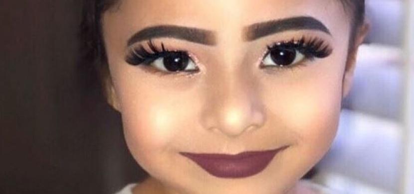 Instagram pobouřila fotografie nalíčené holčičky, kterou sdílela beauty bloggerka Fera Mirza. Nic se nemá přehánět, shodují se lidé