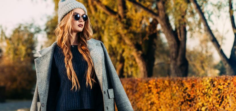 Jak vrstvit oblečení, aby vám to na podzim slušelo: Zaměřte se na barvu a druh látky