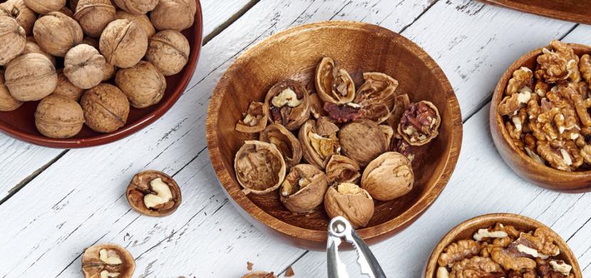 Skořápky z vlašských ořechů rozhodně nevyhazujte. Podpoří vaše zdraví a podtrhnou krásu