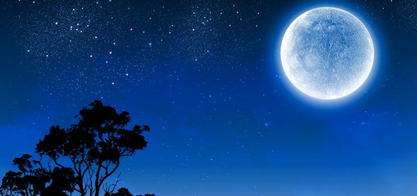 Modrý Měsíc uvidíme i v Česku. Tento vzácný bude viditelný v noci z 31. října na 1. listopadu 2020