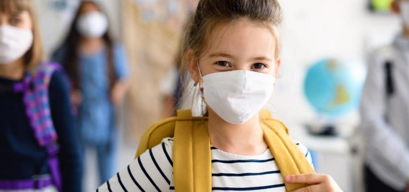 České školy zůstanou kvůli koronaviru uzavřené i po 2. listopadu. Nově neotevřou ani speciální školy