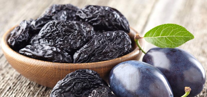 Proč každý den jíst sušené švestky: Tato sladká pochoutka je koktejlem zdraví