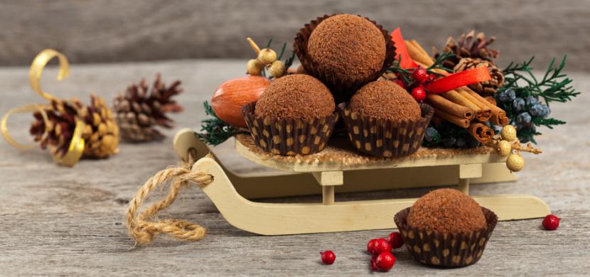 Recept na medovníkové kuličky: Příprava tohoto vynikajícího vánočního cukroví je jednoduchá, z talíře ale zmizí mezi prvními