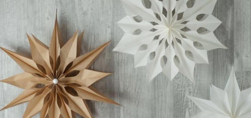 Vánoční hvězda z papírových sáčků vyjde na pár korun: Tuto kouzelnou 3D dekoraci vyrobíte během chvilky