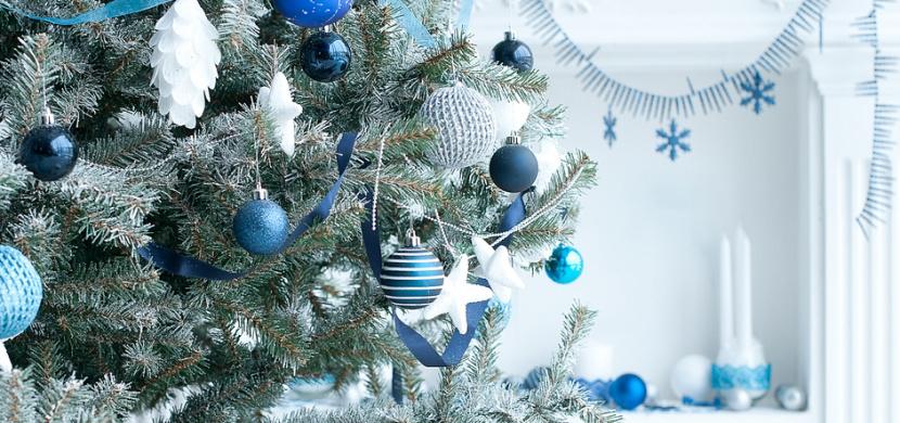 Trendy Vánoc 2020: Hitem jsou přírodní dekorace, platina i klasická modrá