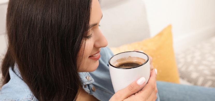 Pití kávy před snídaní se raději vyhněte. Tento návyk narušuje metabolismus a zvyšuje riziko vzniku cukrovky