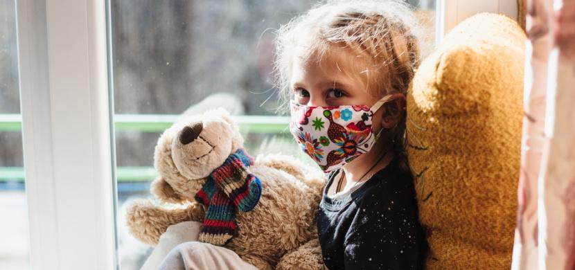 Po prodělání koronaviru hrozí dětem syndrom multisystémové zánětlivé odpovědi. Česko hlásí desítky případů