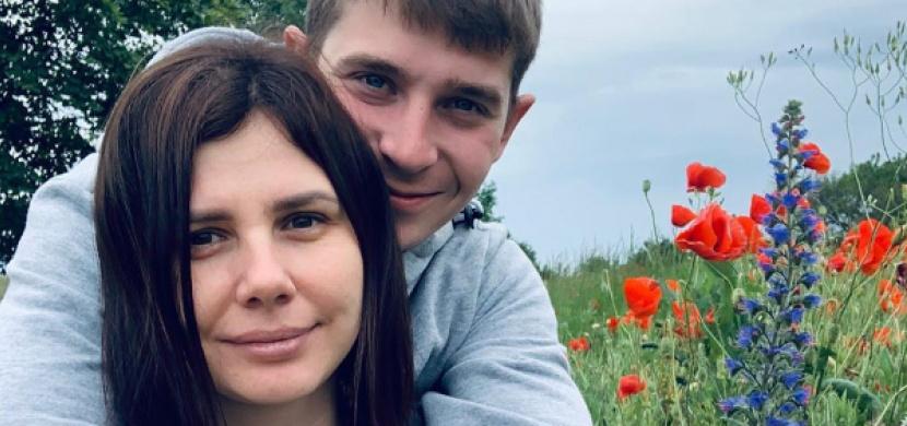 Ruská blogerka porodila chlapečka nevlastnímu synovi. Z Mariny Balmashevy jsou lidé v šoku