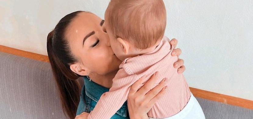 Dcera Moniky Bagárové oslavila 8 měsíců. Co myslíte, na koho je Rumia podobná?
