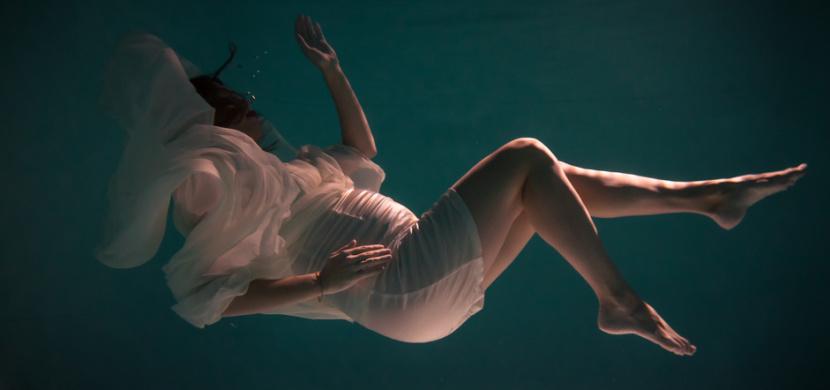 Herečka Patricie Pagáčová nafotila těhotenské snímky pod vodou. Bývalá hvězda Ulice se podobá mořské víle