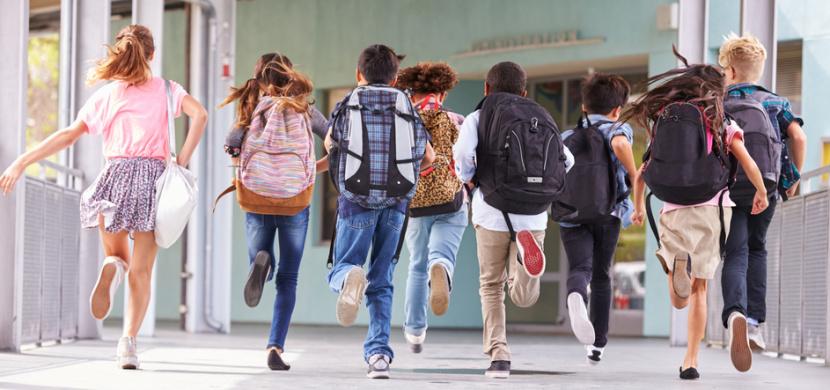 Druhý stupeň ZŠ a MŠ pro všechny děti se od 10. května otevřou ve všech krajích Česka. Na Twitteru to potvrdil Robert Plaga