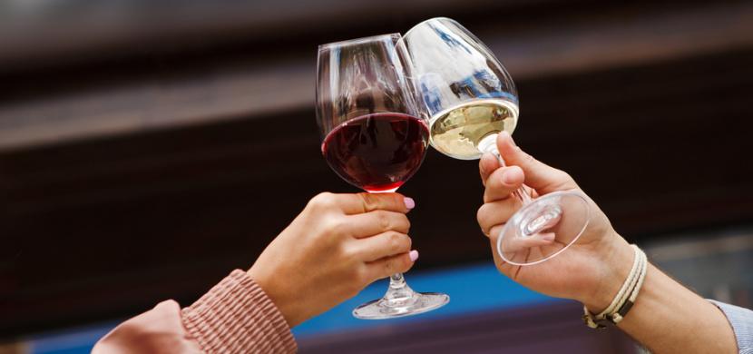 Dáváte přednost červenému vínu, nebo bílému vínu? Barva vína hodně prozradí o vaší osobnosti